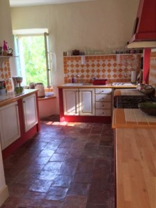 Olonzac kitchen