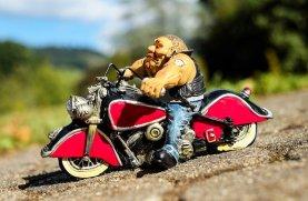 biker-1651759_640